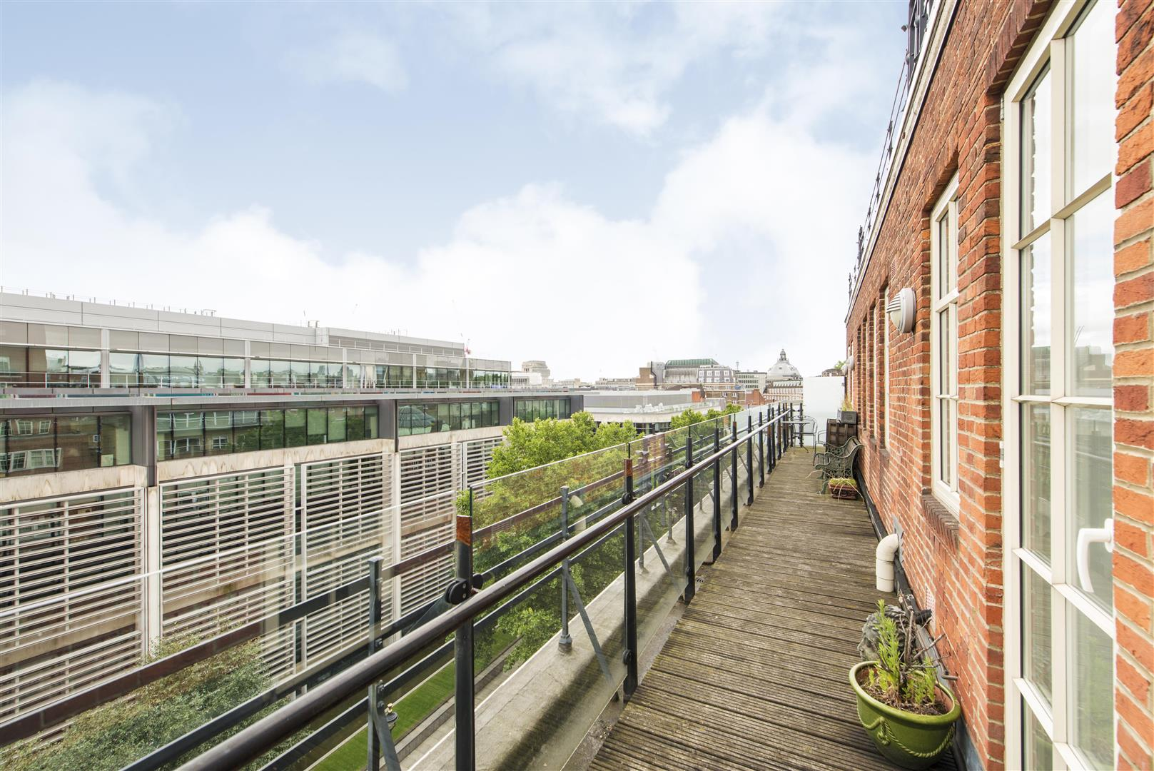 3 Bedrooms Flat for sale in Romney House, 47 Marsham Street, Westminster London SW1P